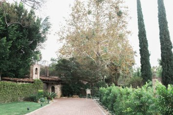 Hummingbird-Nest-Ranch-Wedding-Jewish-Rustic-Chic-49