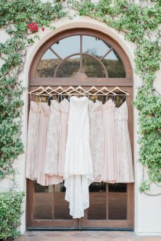 Hummingbird-Nest-Ranch-Wedding-Geometric-Chic-2