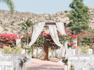 Hummingbird-Nest-Ranch-Wedding-Geometric-Chic-28